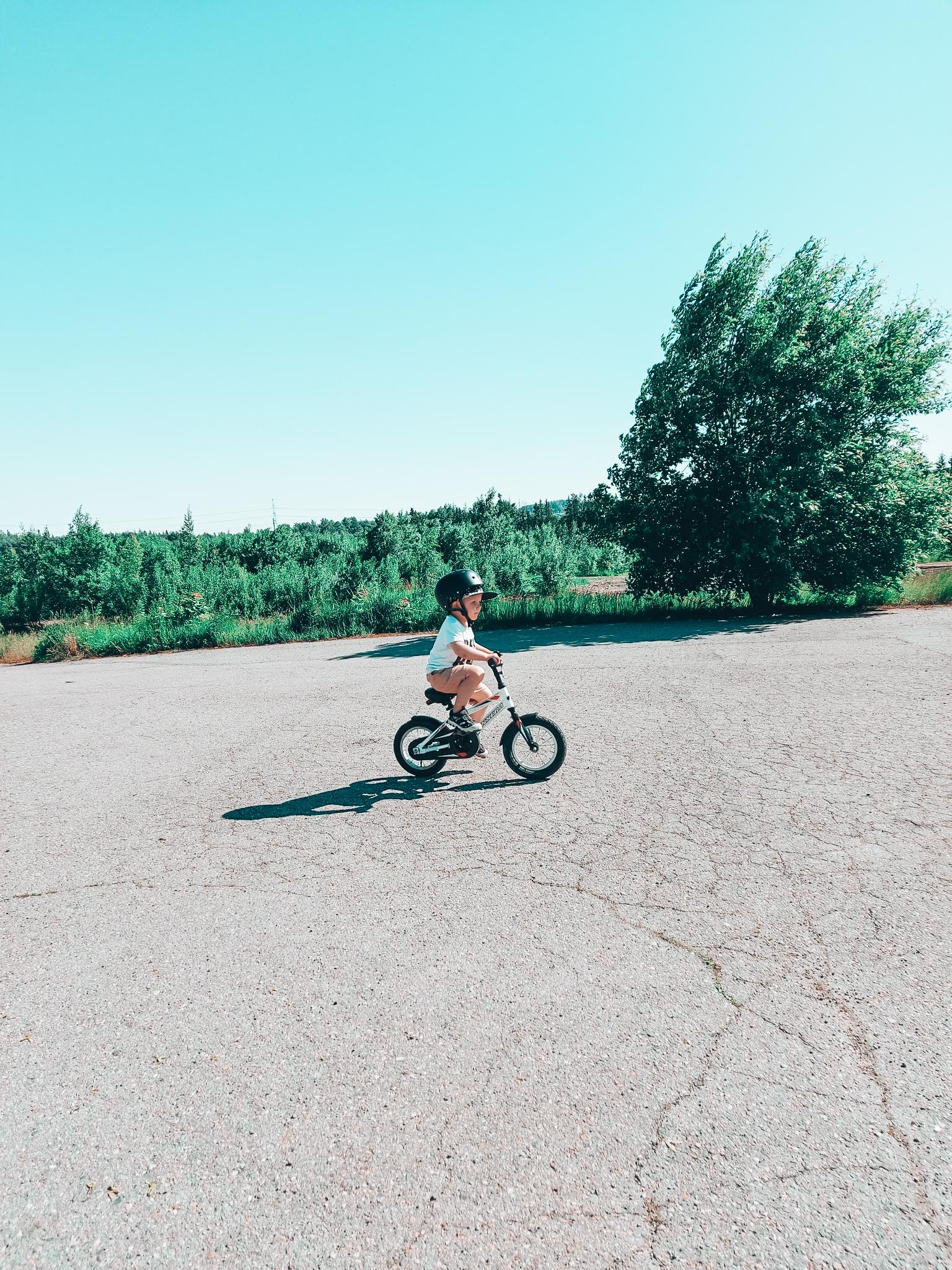 pyöräilyn oppiminen