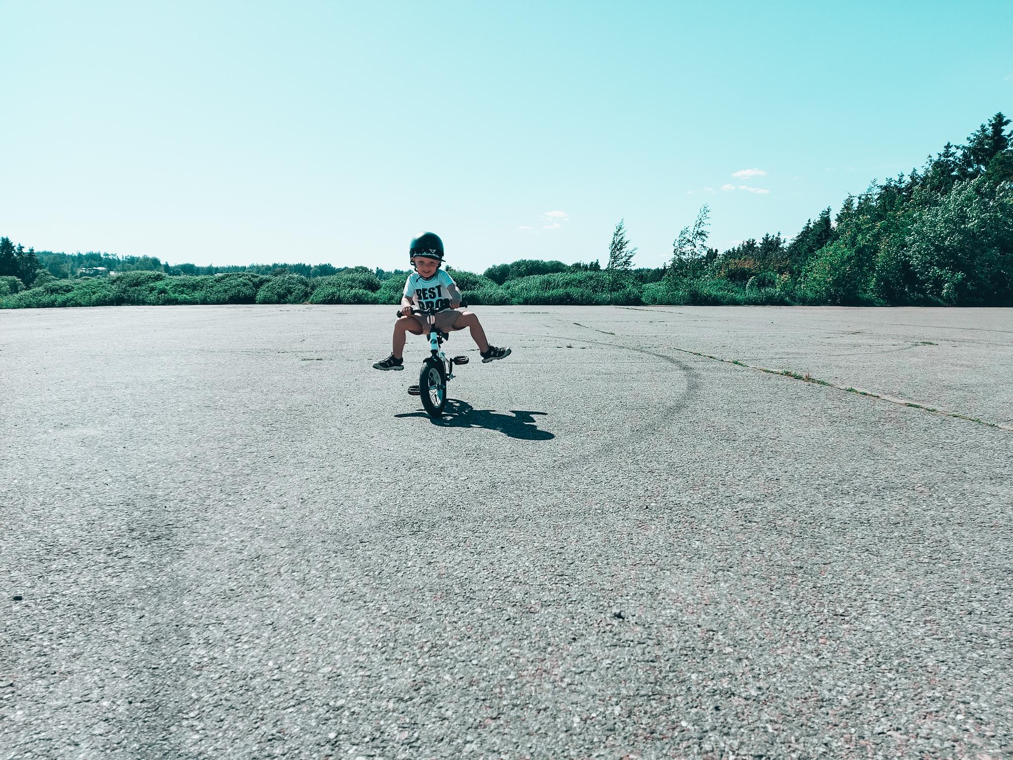 3v oppi pyöräilemään
