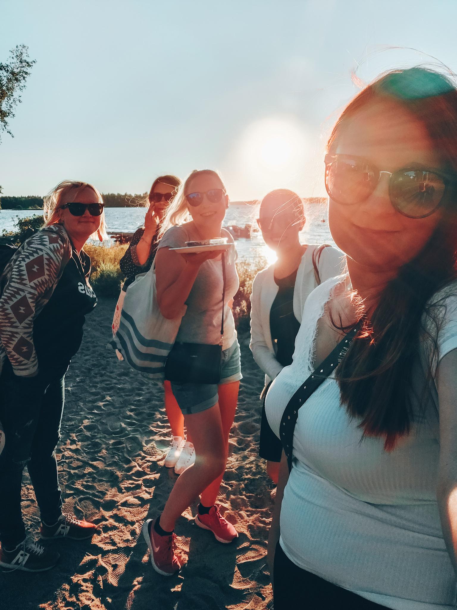 kesä ja ystävät